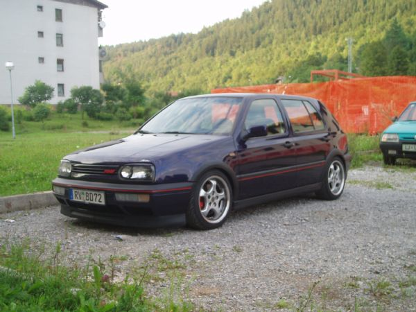 Slike Golf 2 GTI http://www.favdl.net/forum/viewtopic.php?f=8&t=18&start=25